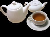 Чай черный с добавками в чайнике / Black tea with mint or thyme in kettle